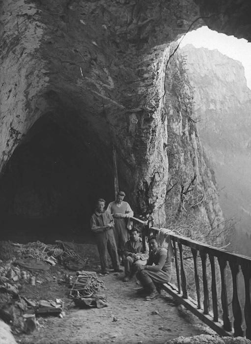 Le porche d'entrée en 1940